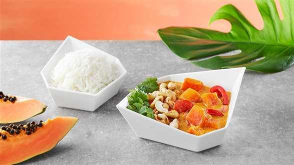 Curry wegańskie z papają i orzechami nerkowca