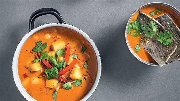 Zupa rybna kokosowo-pomidorowa