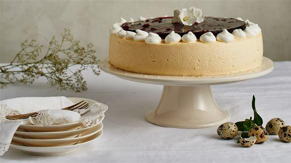 Ajerkoniakowy tort wielkanocny