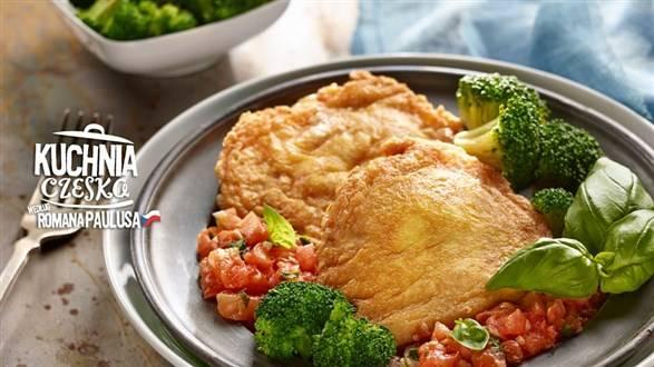 Szynka wieprzowa w panierce z pomidorowym ragout (gęsty sos) oraz gotowanymi brokułami