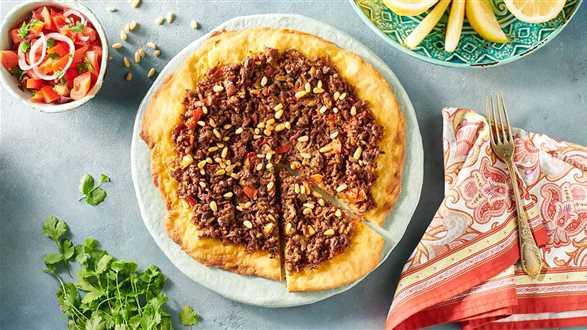 Pizza arabska z sałatką