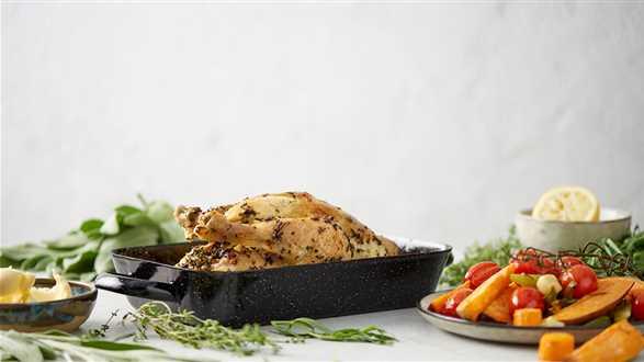 Kurczak w ziołach z pieczonymi słodkimi warzywami