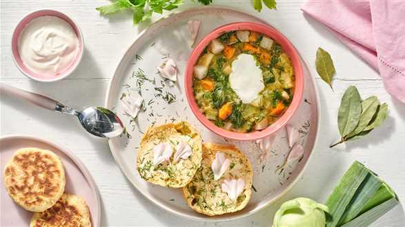 Oberiba – zupa z kalarepy i proziaki