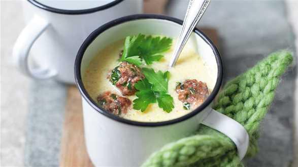 Zupa serowo-jarzynowa z klopsikami