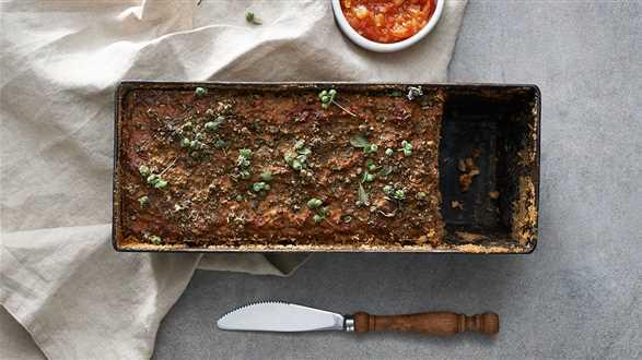 Pasztet z królika z suszonymi pomidorami i wątróbką