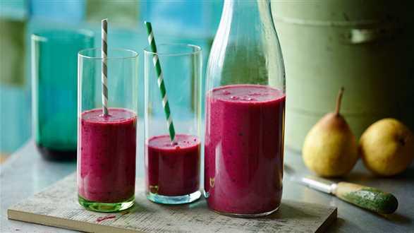Shake sojowy z jagodami i gruszką