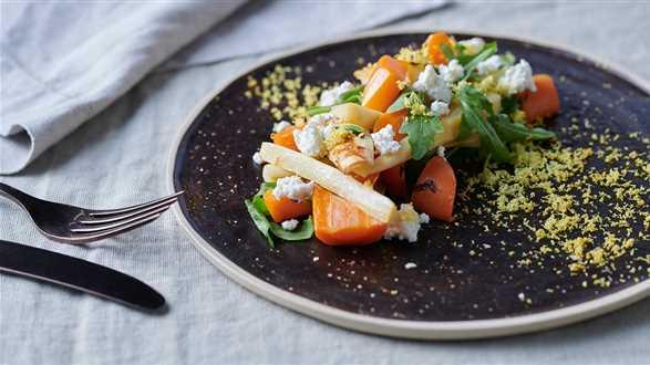 Sałatka z pieczonych warzyw z sosem tymiankowo-cytrynowym