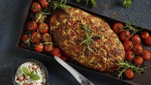 Chlebek mięsny po grecku z tzatziki