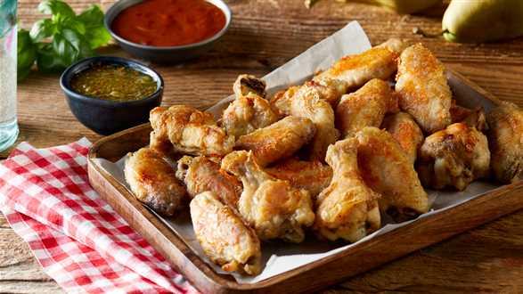 Skrzydełka w stylu amerykańskim (buffalo wings) z sosem BBQ