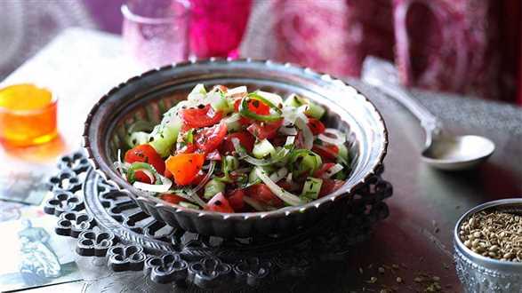 Chachumbar – indyjska sałatka z pomidorów i ogórków