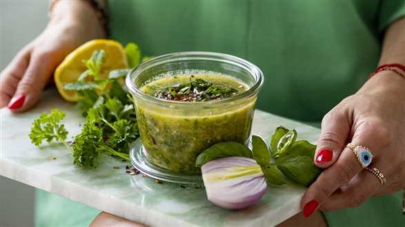 Sos ze świeżych ziół i oliwy z oliwek