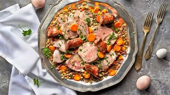 Petit salé, czyli francuska potrawka z peklowaną wieprzowiną i soczewicą