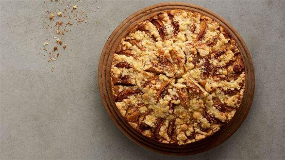 Ucierane ciasto maślane z jabłkami i maślaną kruszonką
