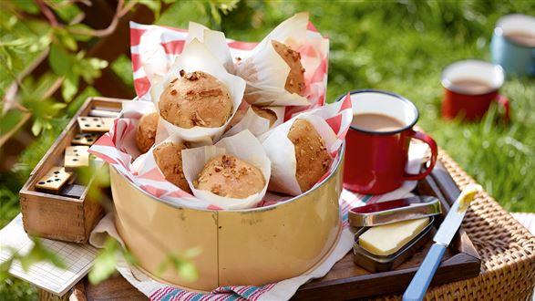 Muffiny orkiszowe z orzechami włoskimi
