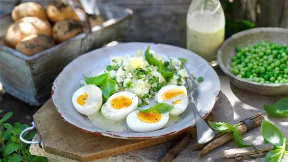 Jajka w sosie bazyliowym z purée