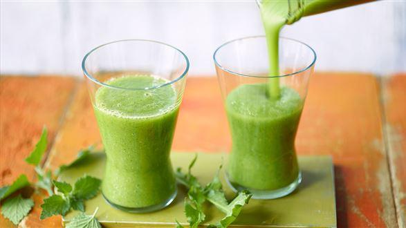 Zielone smoothie z dzikimi ziołami