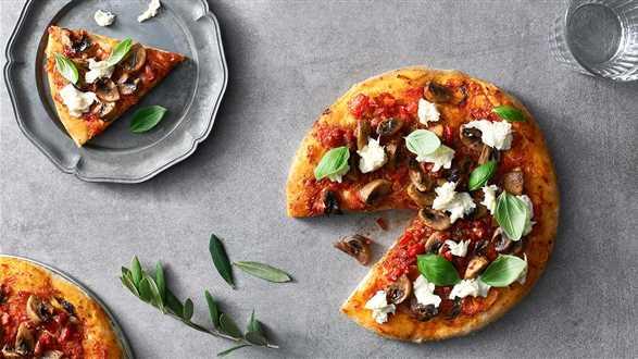 Minipizza z kabanosami