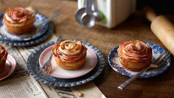 Babeczki z jabłkami w kształcie róży