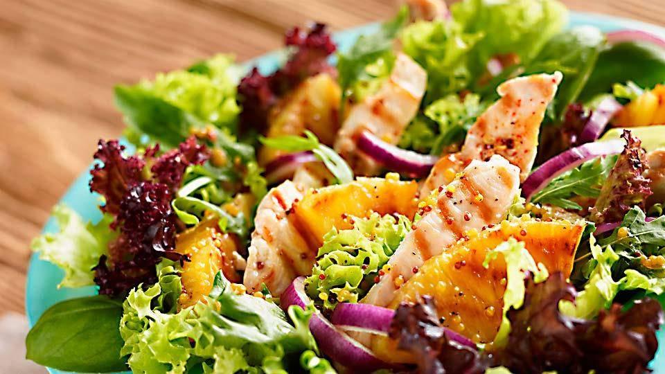 Salata Z Grillowanym Ananasem I Kurczakiem Przepis Kuchnia Lidla
