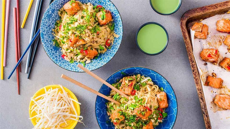 Pad Thai Z Warzywami I Pieczonym Lososiem Przepis Kuchnia Lidla
