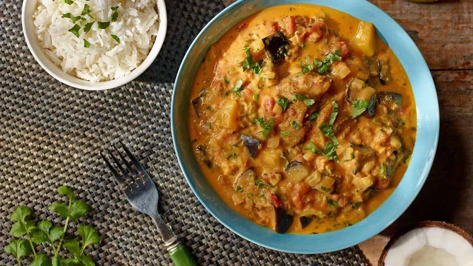 Curry Z Kurczaka Z Jablkiem Mango I Mlekiem Kokosowym Przepis