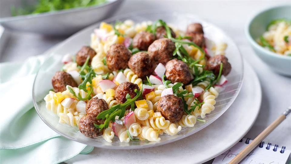 Salatka Z Makaronem I Klopsikami Przepis Kuchnia Lidla