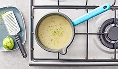 Zupę doprawiamy skórką z limonki