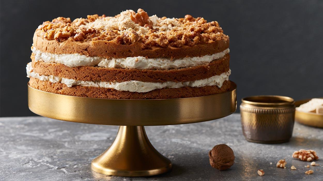 Tort chałwowo-orzechowy