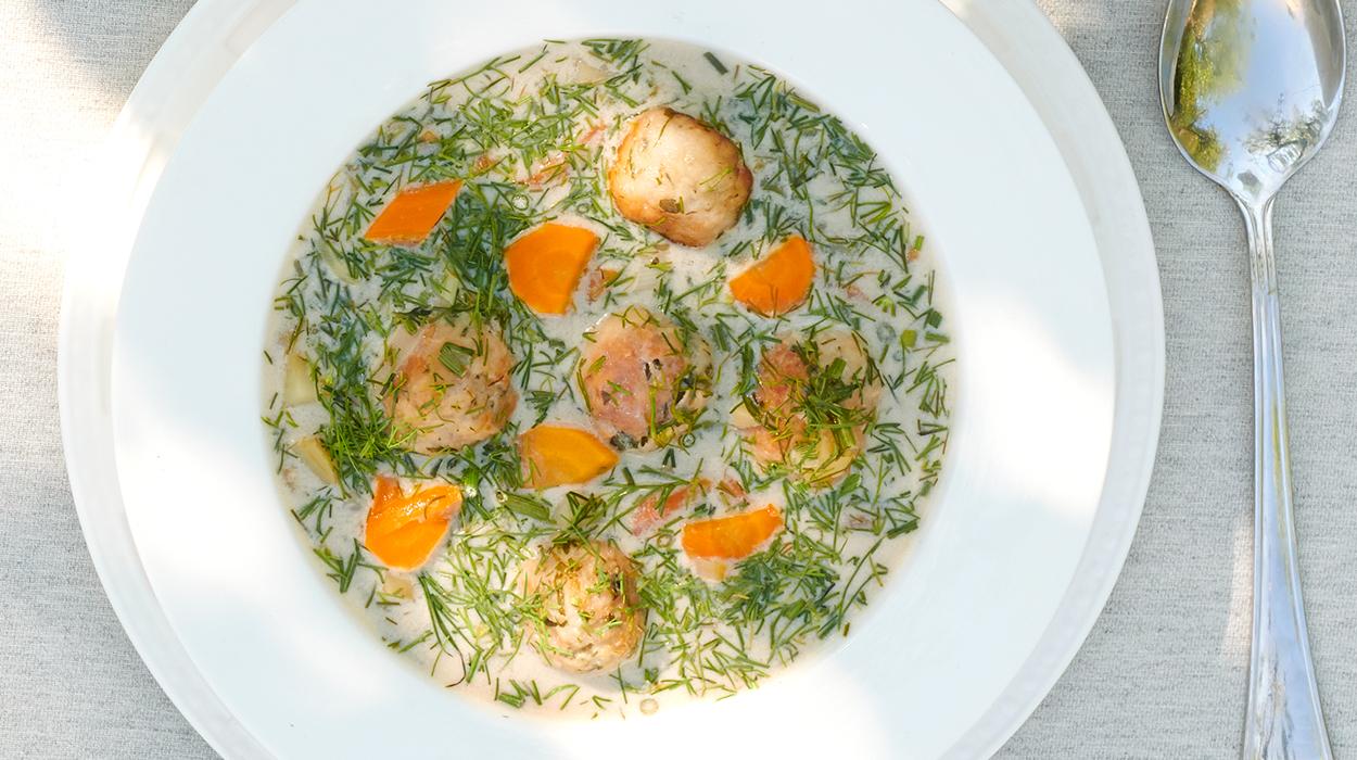 Zupa koperkowa z klopsikami drobiowymi