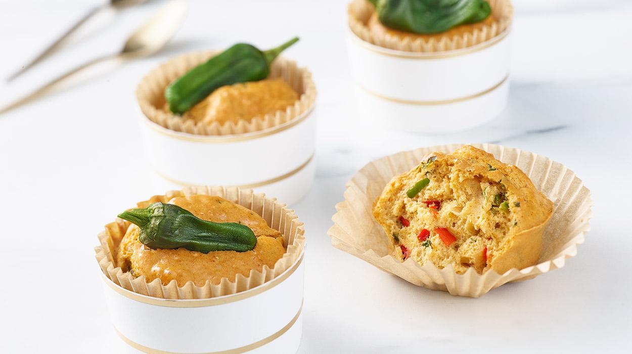 Muffiny jajeczne z papryczkami padron
