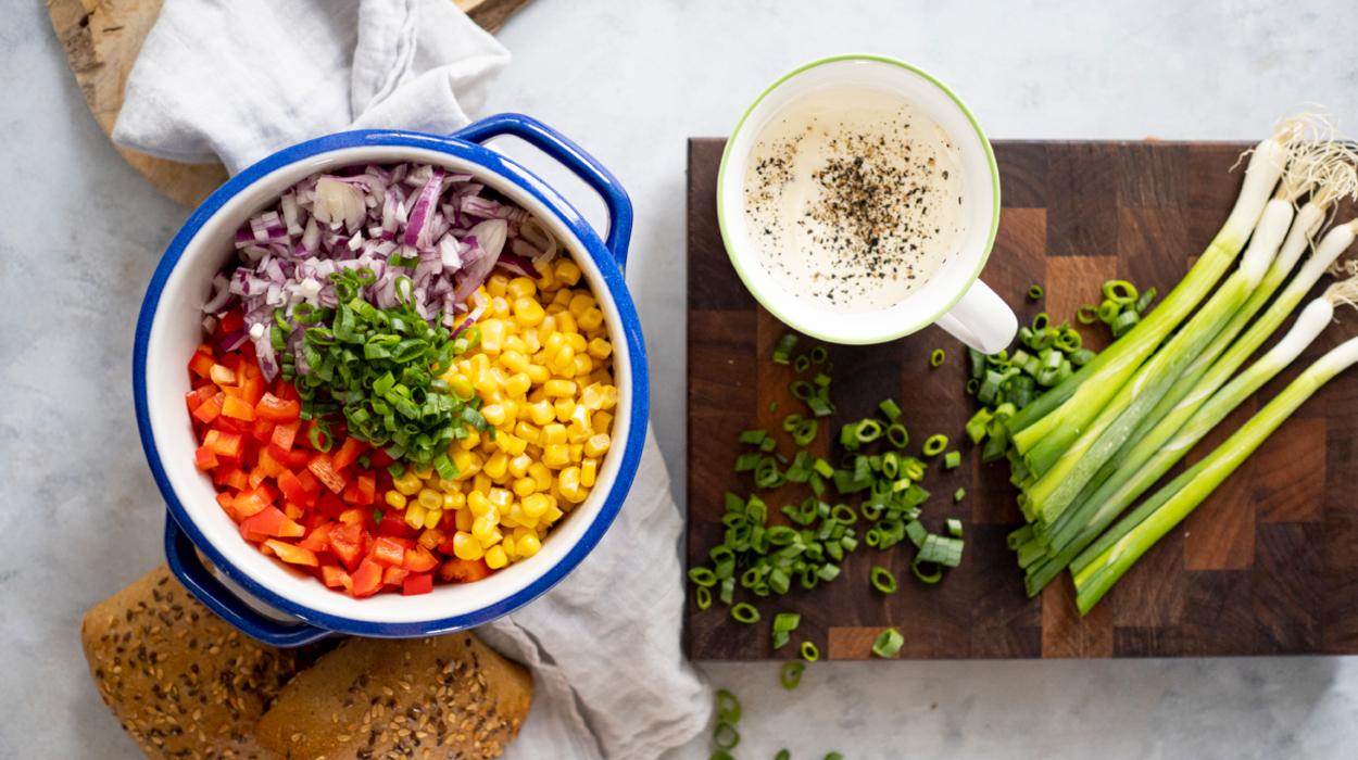 Obiadowa sałatka z kukurydzą