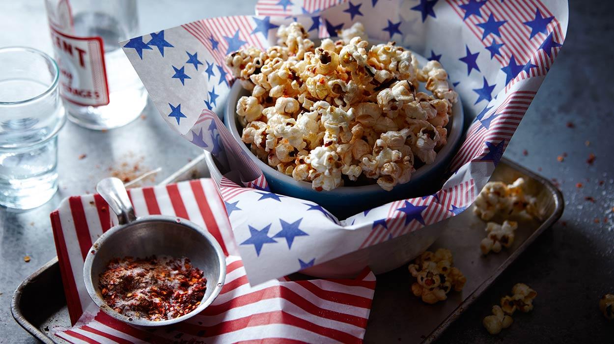 Popcorn z karmelem z chili i cynamonem