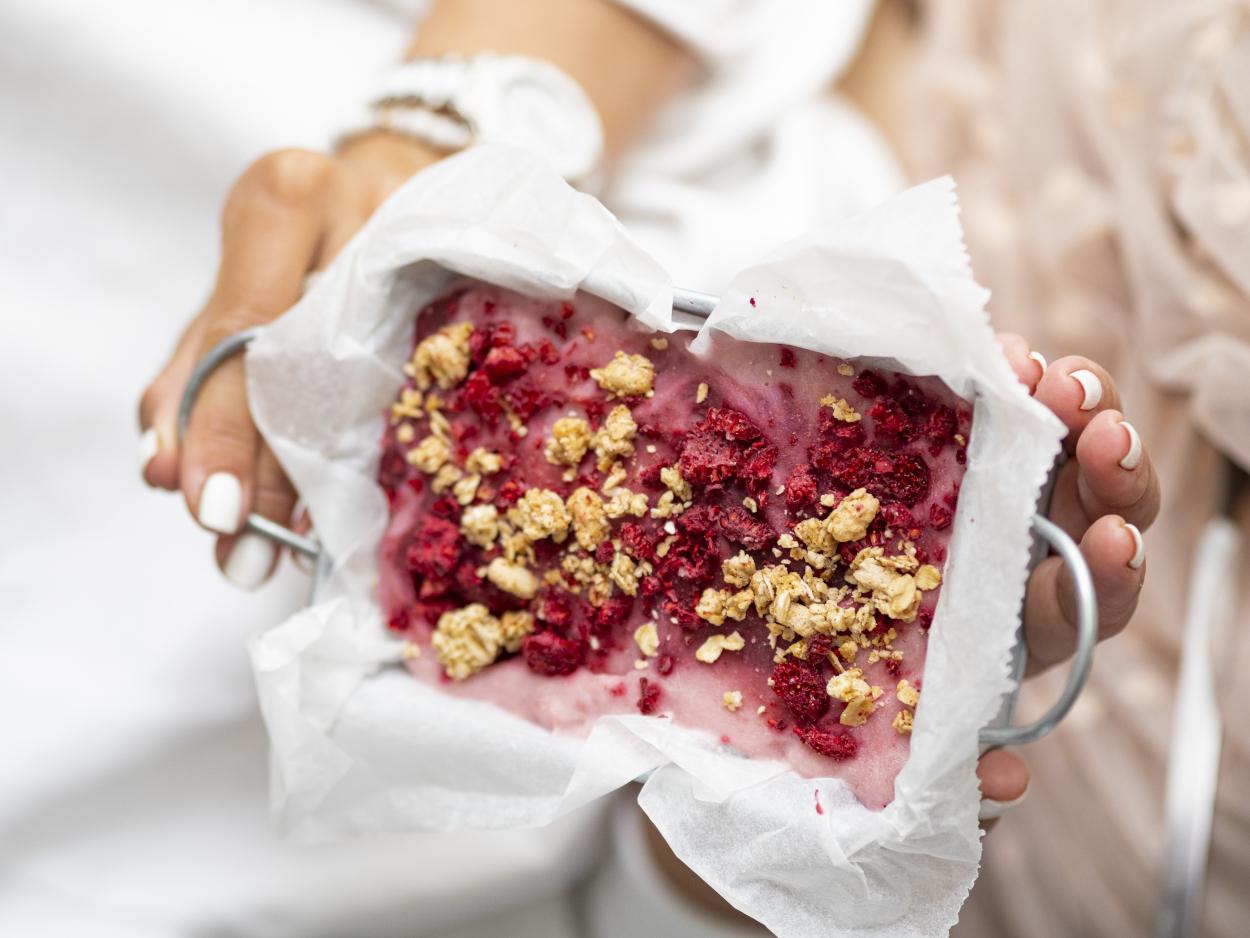 Lody rabarbarowo-jogurtowe