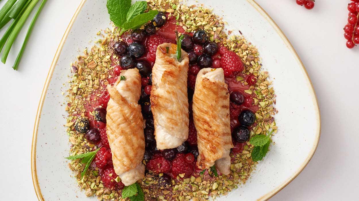 Roladki z indyka z owocami i serem gorgonzola