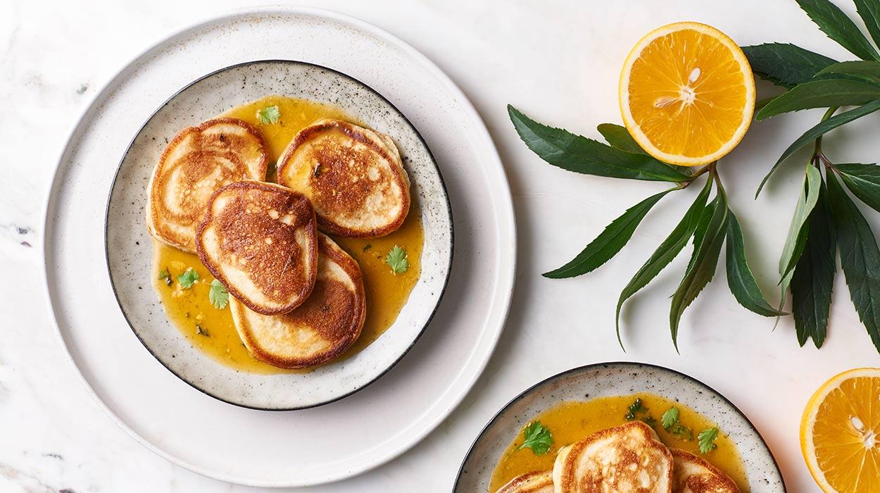Racuszki jogurtowe z sosem pomarańczowym