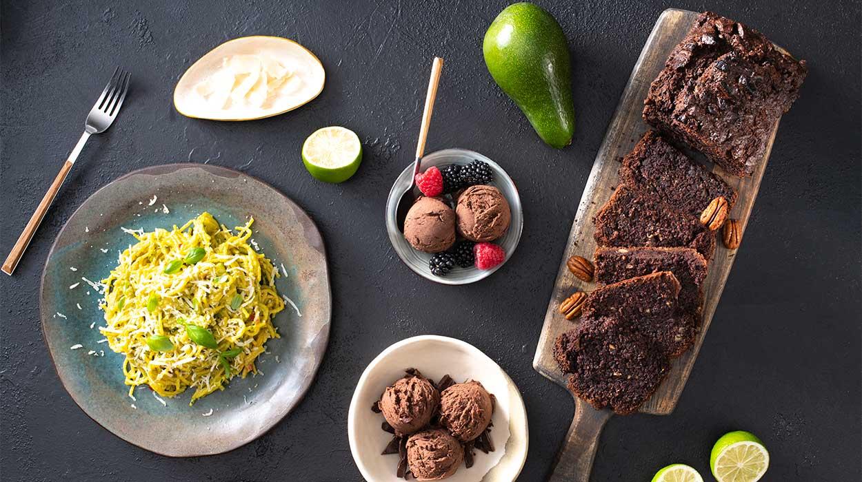 3 dania z awokado: lody, chlebek i makaron