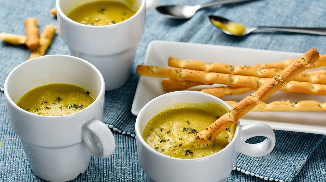 Wegańska zupa z ciecierzycy