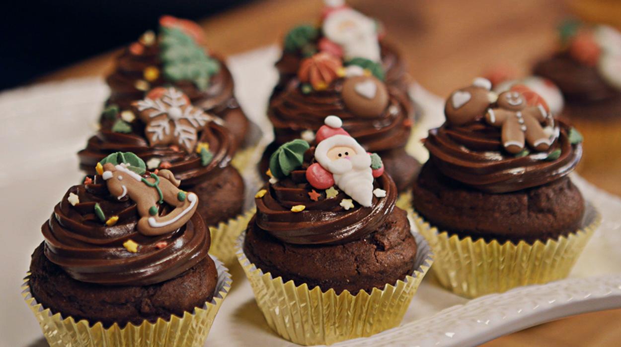 Muffiny piernikowe z powidłami i ganaszem czekoladowym