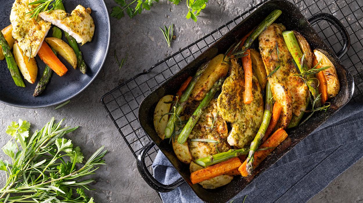 Kurczak pieczony z warzywami na jednej blasze