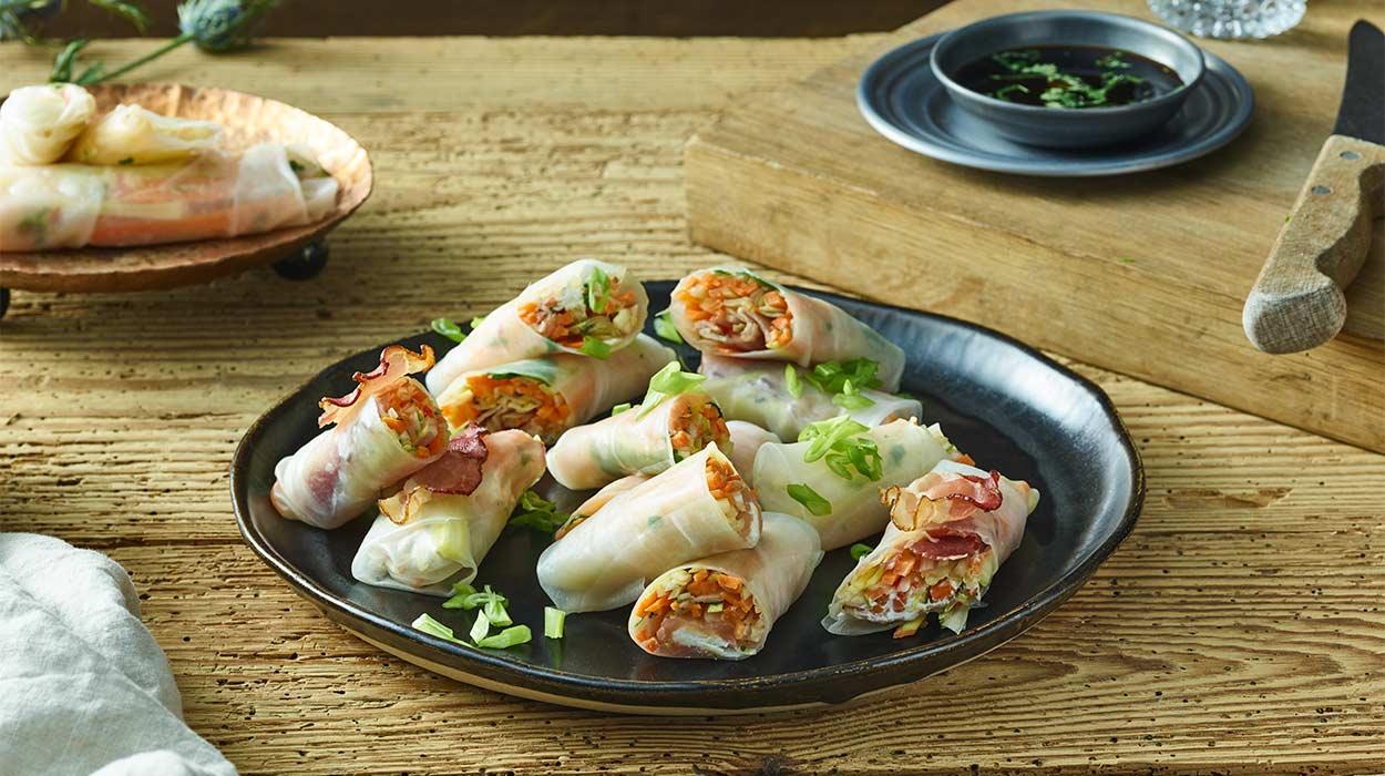3 sposoby na spring rollsy (z łososiem wędzonym, z warzywami, z pieczonym boczkiem)