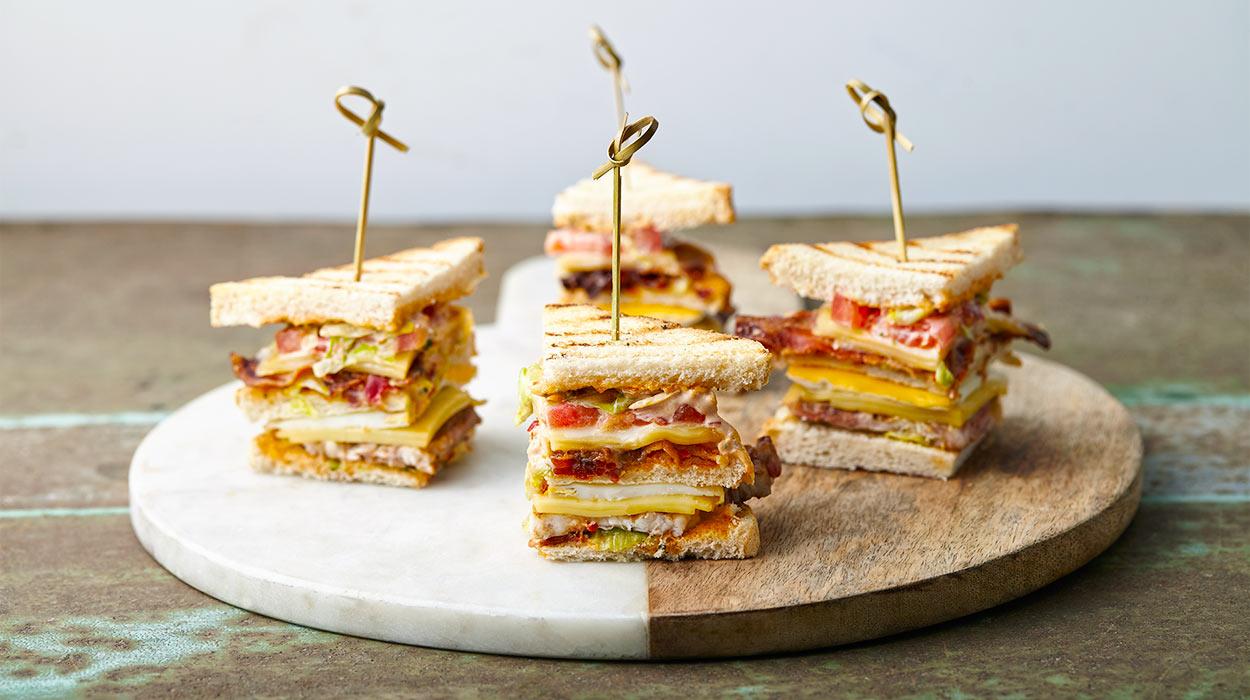 Club sandwich ze schabem