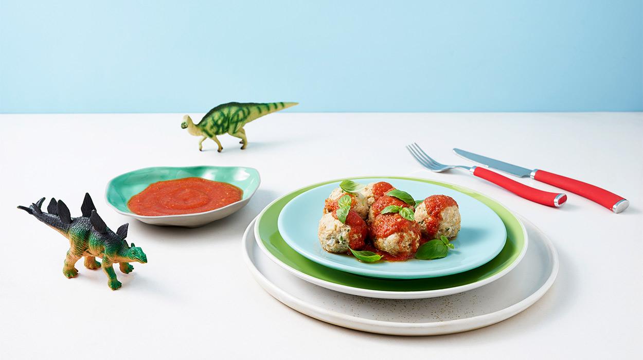 Pulpety z królika na parze w sosie pomidorowym