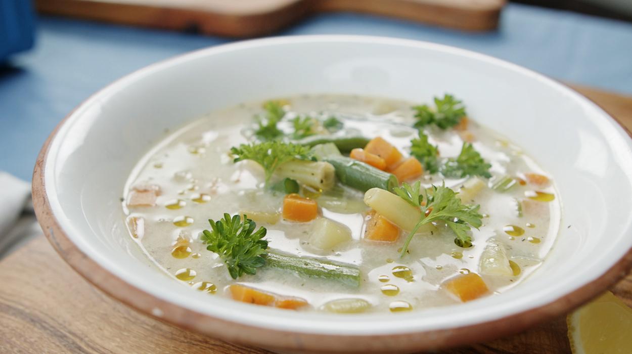 Zupa prowansalska z francuskim serem