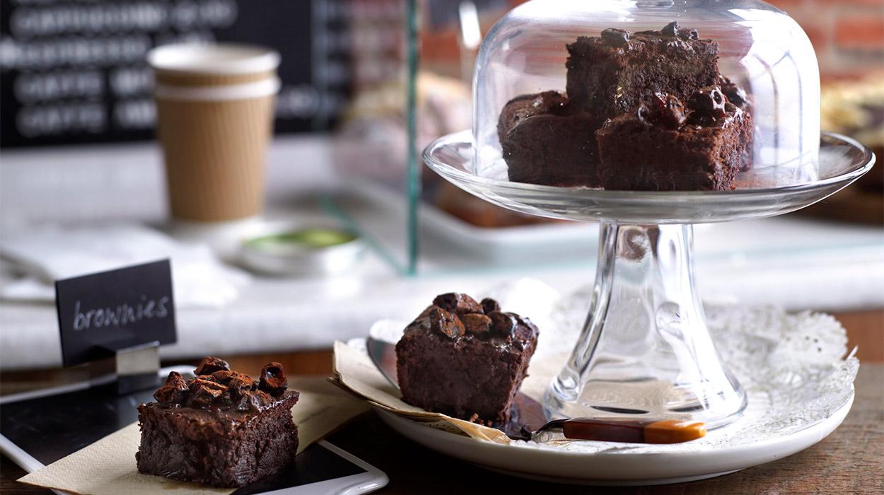 Brownie z espresso i wiśnią