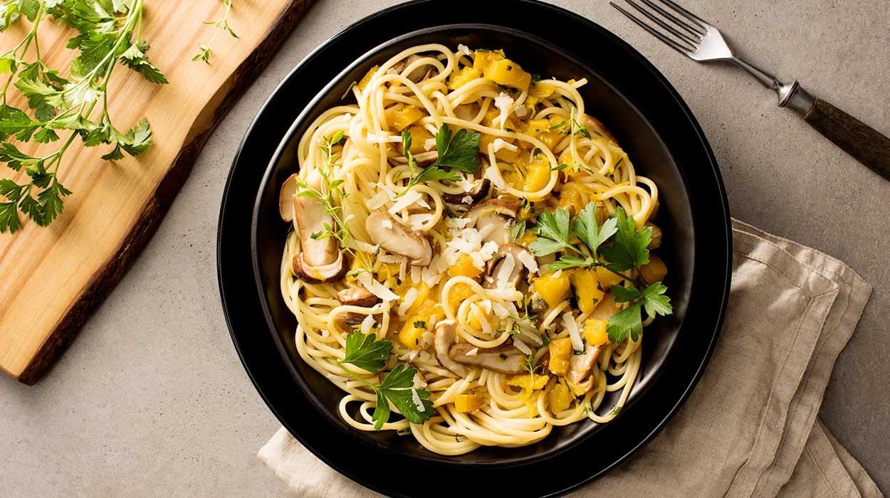 Spaghetti z dynią i borowikami