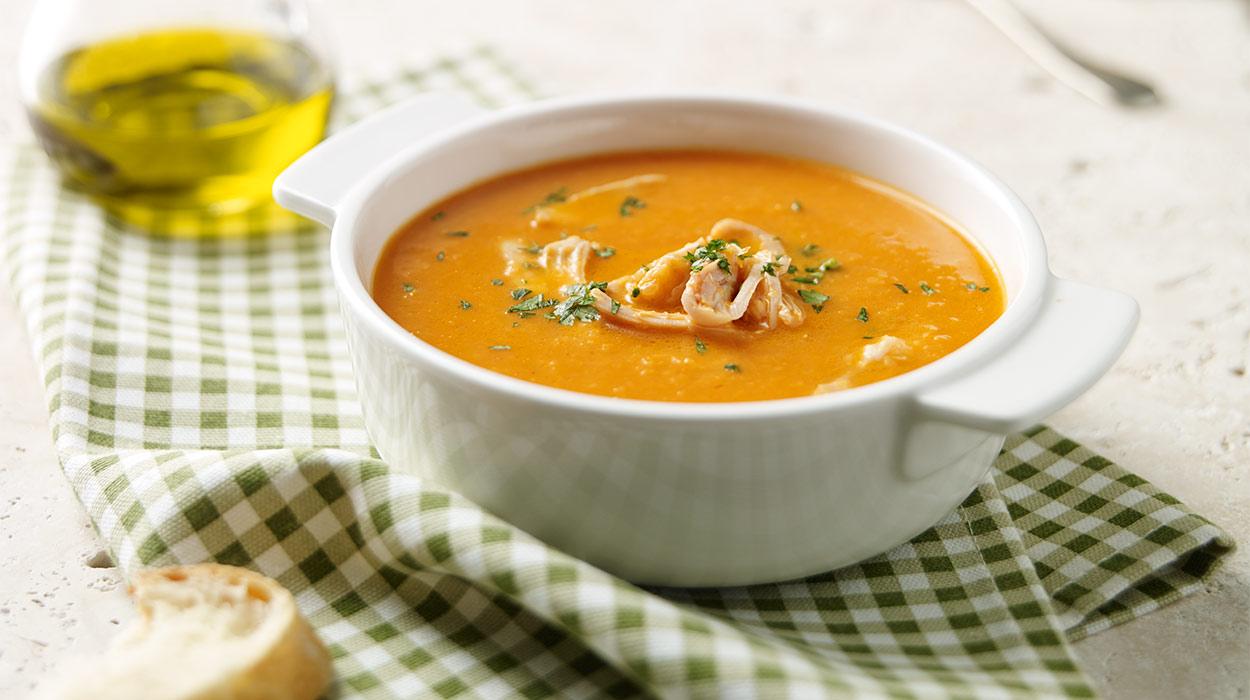 Zupa krem z kawałkami kurczaka