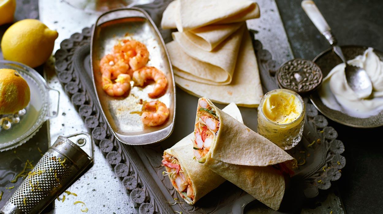 Wrapy z krewetkami i warzywami z masłem cytrynowym