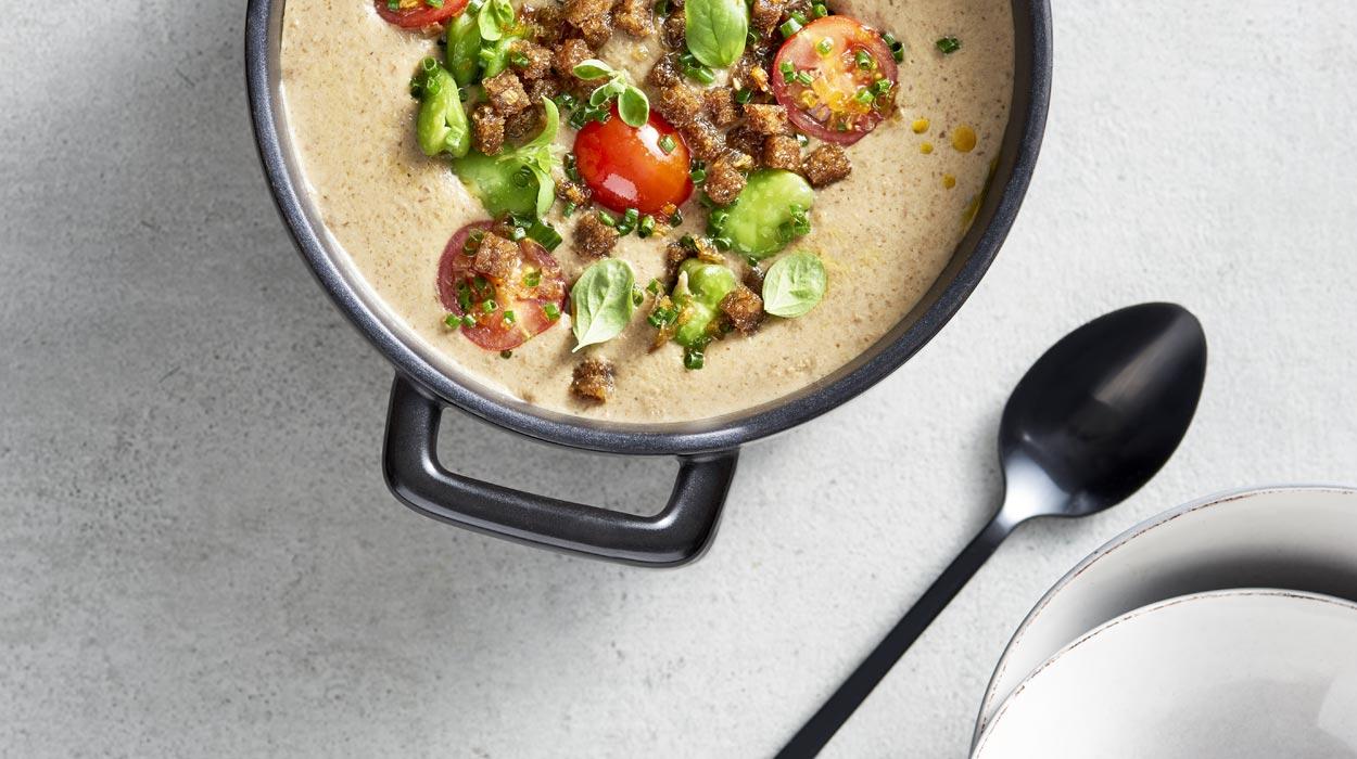 Zupa z topinamburu z sałatką