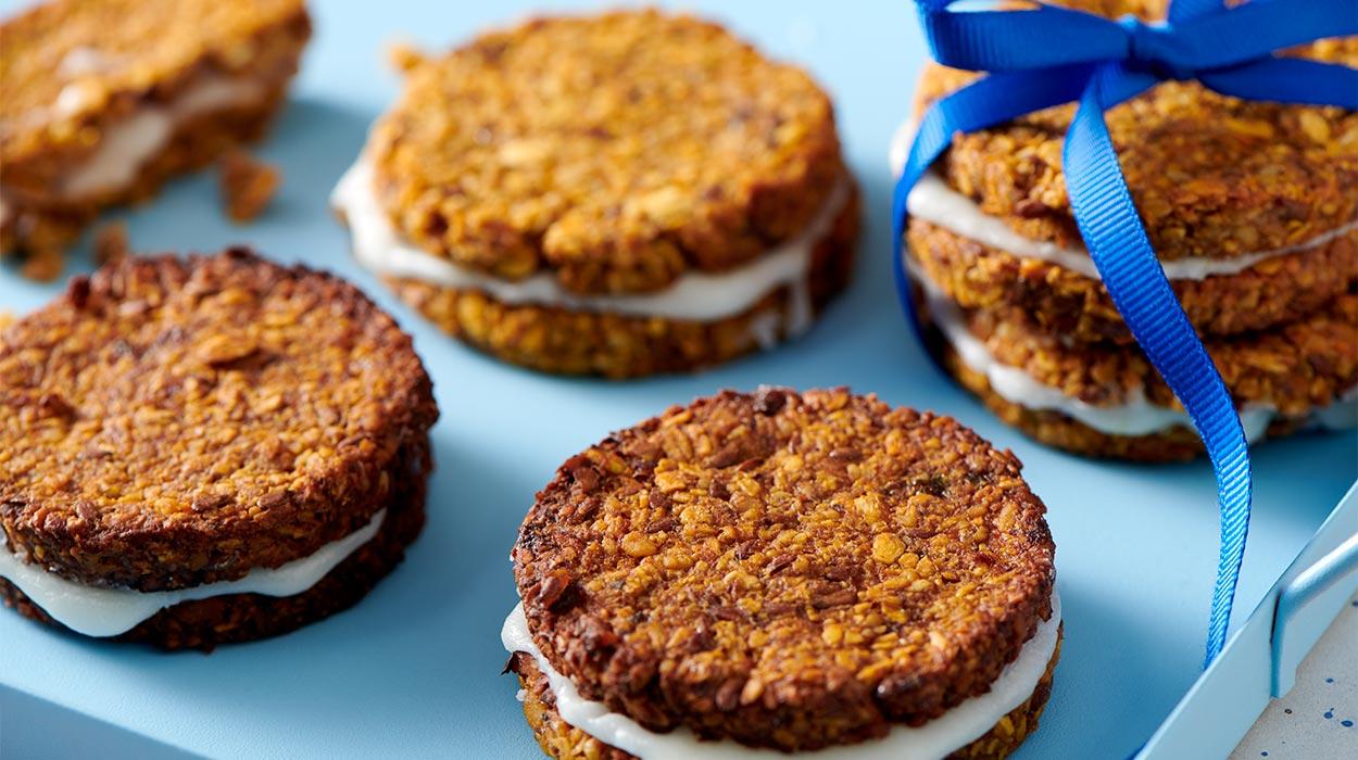 Wegańskie ciasteczka marchewkowe z kremem