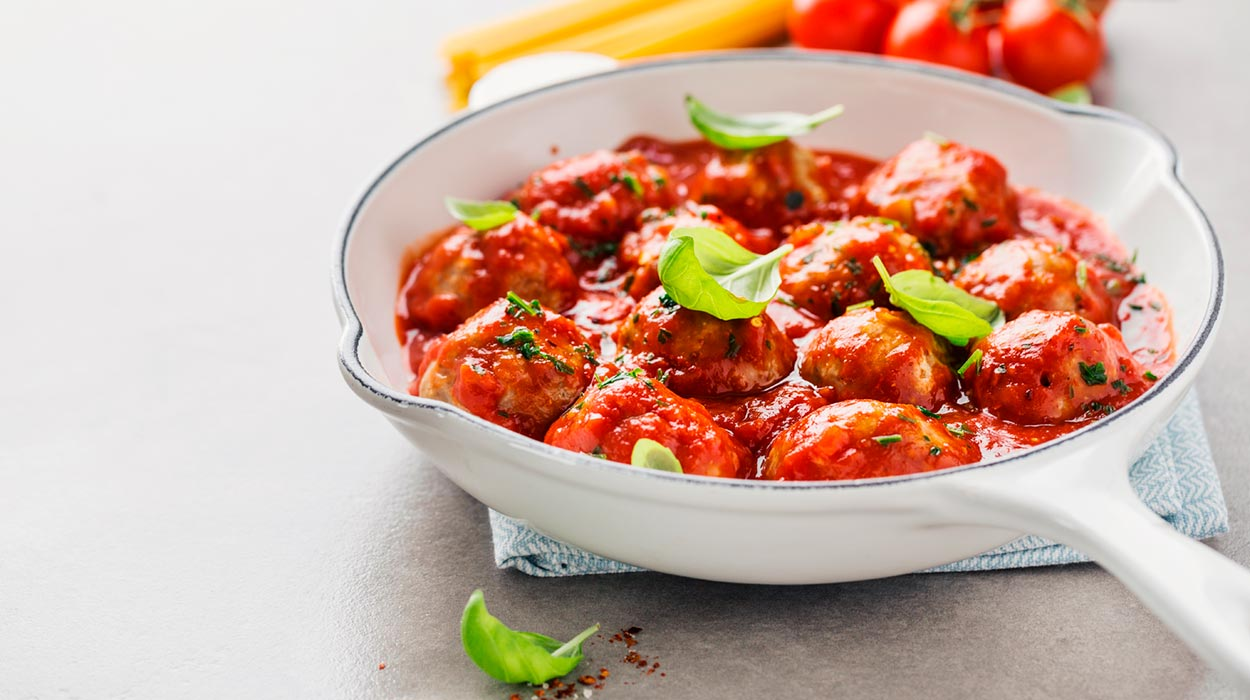Pulpety wołowe w sosie z pomidorów daktylowych